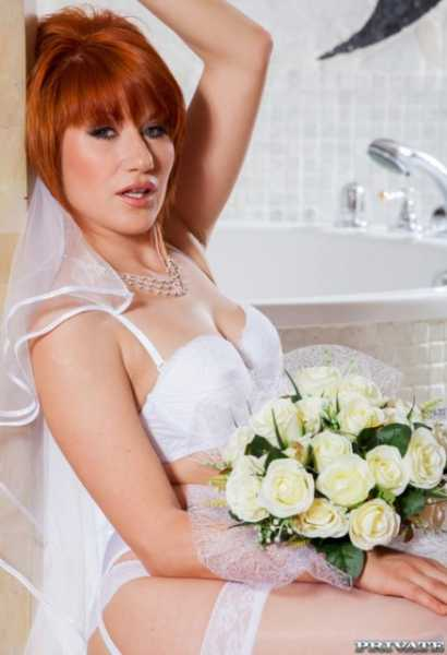 PLucy Bell - Naughty Redheaded Bride (2018/FullHD)