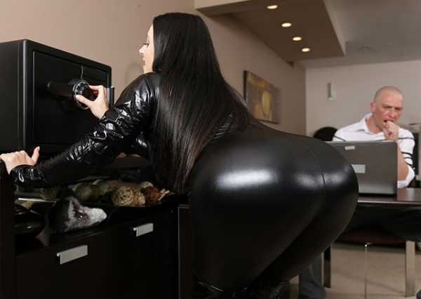 Angela White - Busting On The Burglar (2019/FullHD + HD)